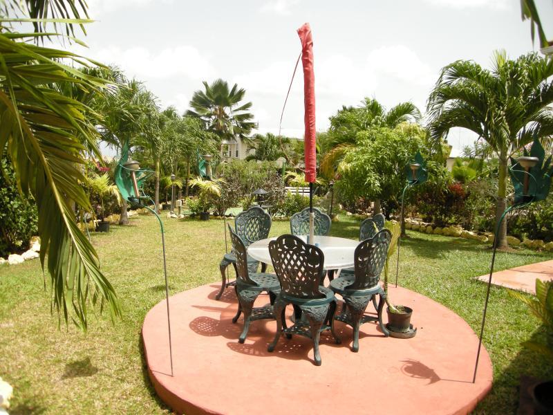 Una zona de jardín para relajarse