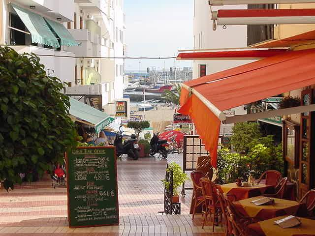 Narrow streets of Los Cristianos
