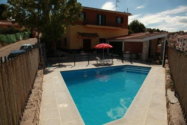 Casa Rural con Piscina, vacation rental in Estremera