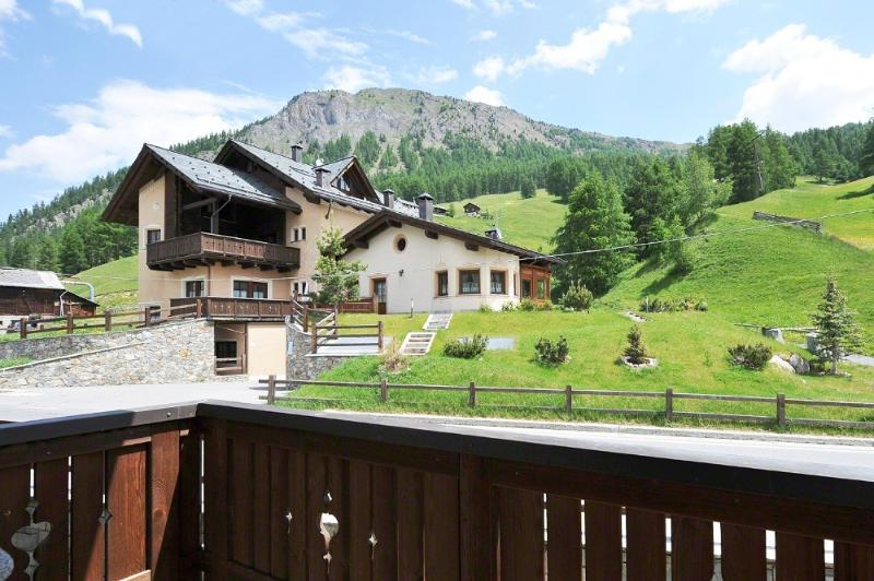 Castagno ~ A lovely Livigno getaway with Ski slopes and more!