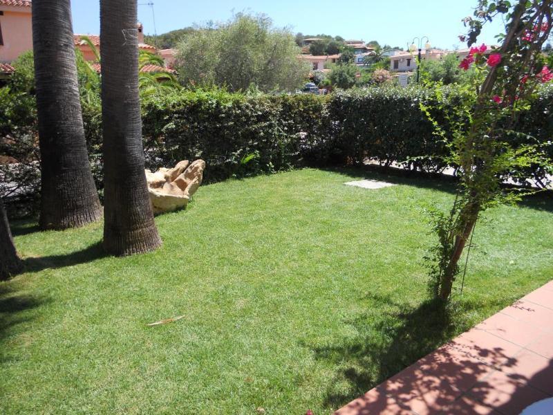 Giardino anteriore (front garden)