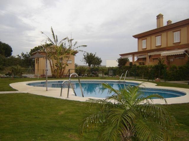 duplex en costa ballena con piscina, vacation rental in Rota