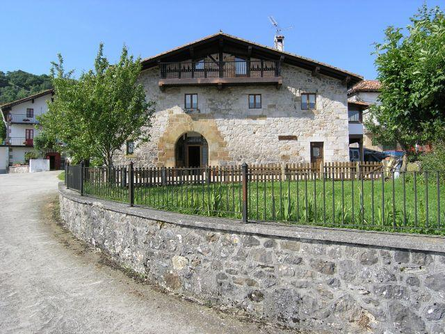 CASA RURAL GOIENETXEA, holiday rental in Arbizu