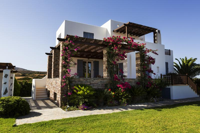 Aeolos Villa, Sea View Villa with Private Pool, casa vacanza a Lachania