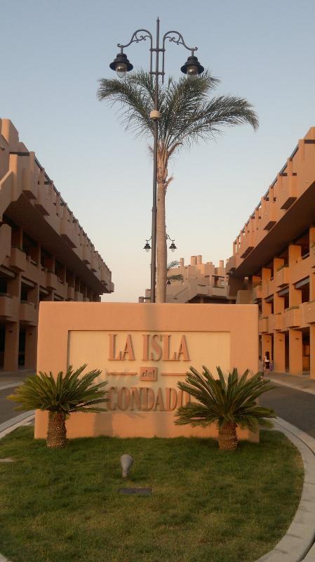 Entrance to La Isla.