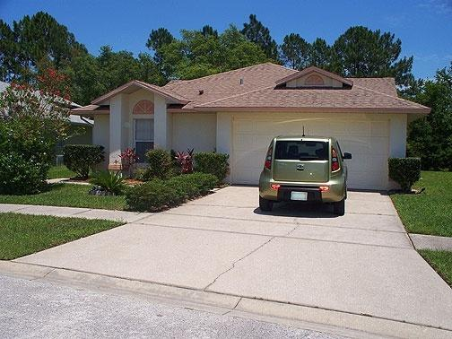 Exterior  - villa is in quiet residential area but just 10 mins from Disney and close to restaurants