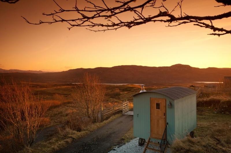 Skye Shepherd Huts - Beileag, holiday rental in Broadford