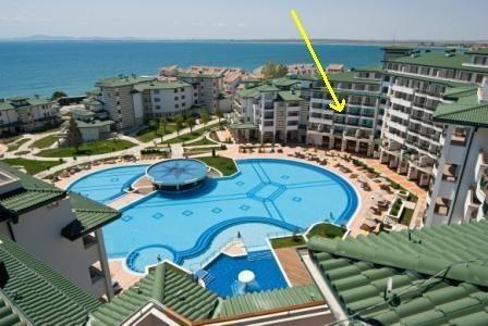 The location of the apartment in Emerald Resort