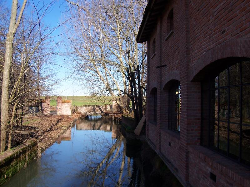 El río Sillaro que fluye il vecchio mulino