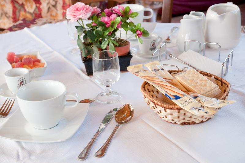 The excellent Italian breakfast is served in the panoramic dining room