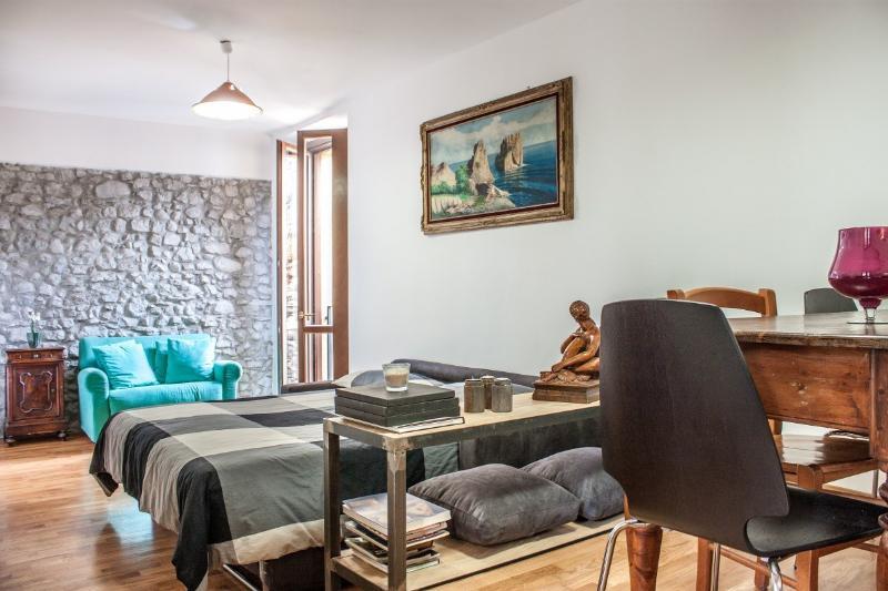 Casa San Giacomo Bellagio Study.