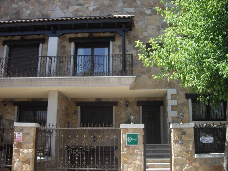 Casa Rural Los Alisos, holiday rental in Patones