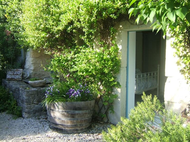 B&B room 'olive': a vaulted guestroom, sleeps 2 people in a double bed; private entran