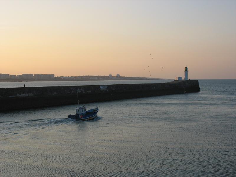 la sortie du port et la grande jetée