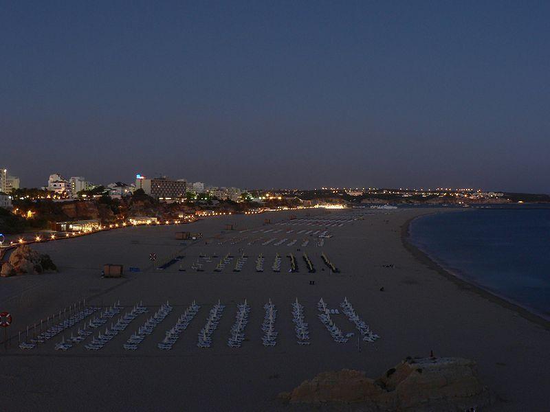 Praia da Rocha, by night