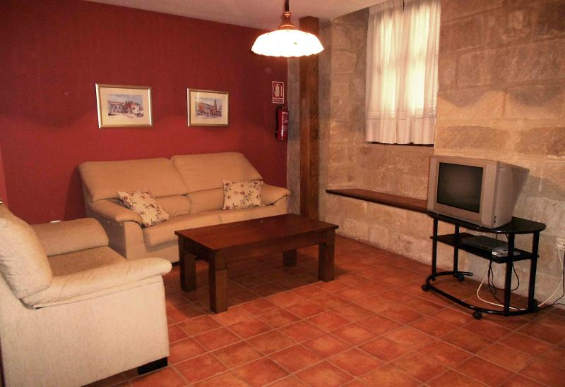 Vivienda Arco del Barbudo (La Casa del Seise), vacation rental in Torres