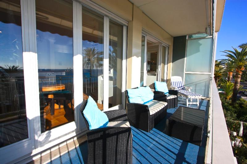 San Diego sunny 2 bedroom apartment with balcony UPDATED ...