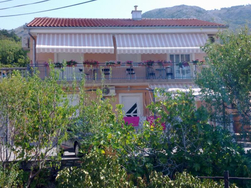 Apartment Bionda 2+1, holiday rental in Senj
