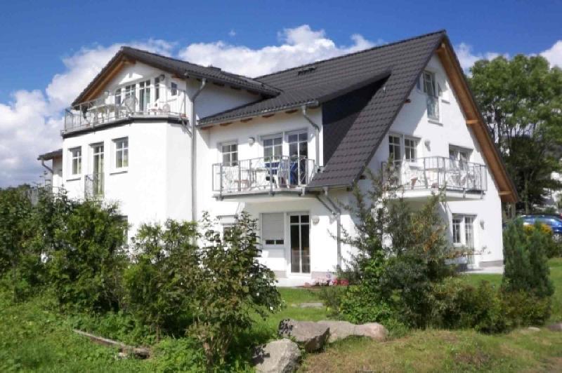 Duenenhaus**** 4 Sterne Fewo Schwimmbad und Wlan inkluksive, holiday rental in Lobbe