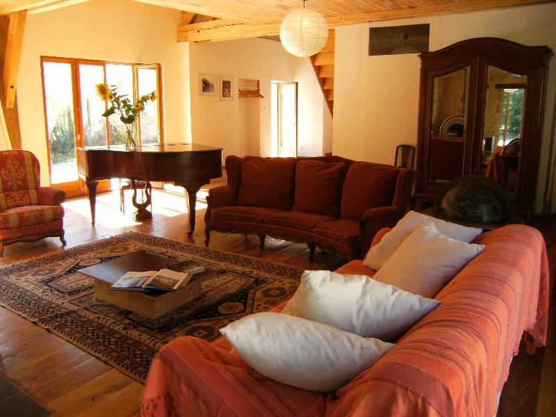 The main sitting room at Pamoja Liptrap