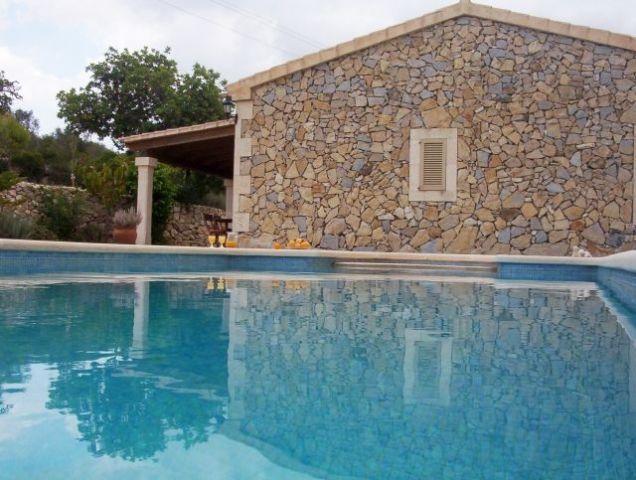 Casa Rural de 150 m2 de 4 dormitorios en Son Macià, vacation rental in Son Macia