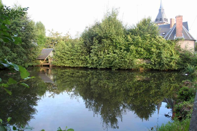 L'Ermitage fait partie de la Closerie de l'étang, une propriété de style normand datant du