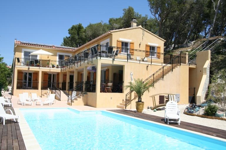 Villa la Pinede with heated pool.