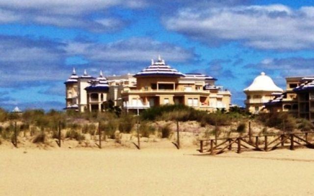 Urbanización Atlántico , entre la  dunas y el mar