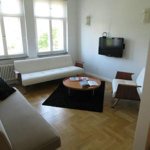 Elegant renovated apartment 72, holiday rental in Ahrensfelde