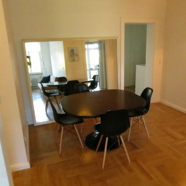 Elegant Renovated Apartment 72 Has Terrace And Internet Access
