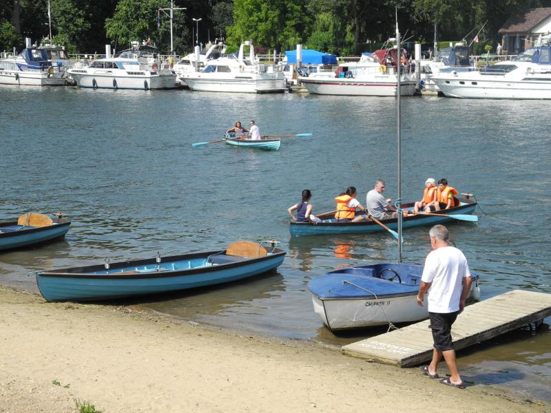 Boat Hire and River Thames