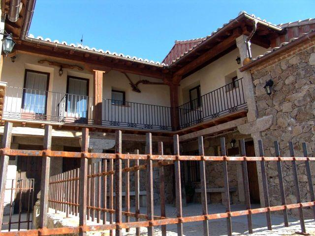 LOS SERRANILLOS CASA RURAL, holiday rental in Navacepeda de Tormes