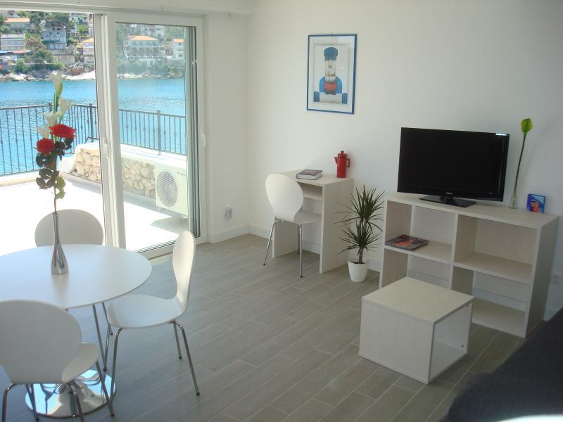 Aparthouse Hvar(apt 2), casa vacanza a Jelsa