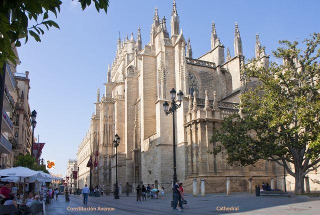 Avenida de la Constitución y Catedral de Sevilla