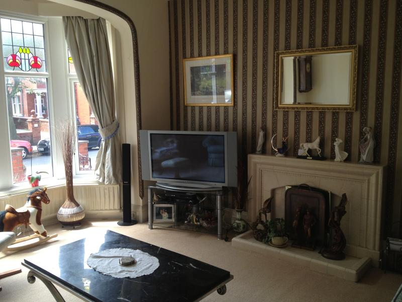 Lounge with 50' plasma TV, ideal for movies and gaming Blue ray dvd player with surround sound