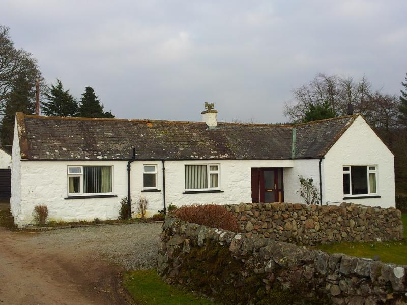 Cottage Front & Driveway