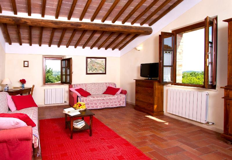 BORGO AL CERRO Apt. 21 CHIANTI, vacation rental in Casole d'Elsa