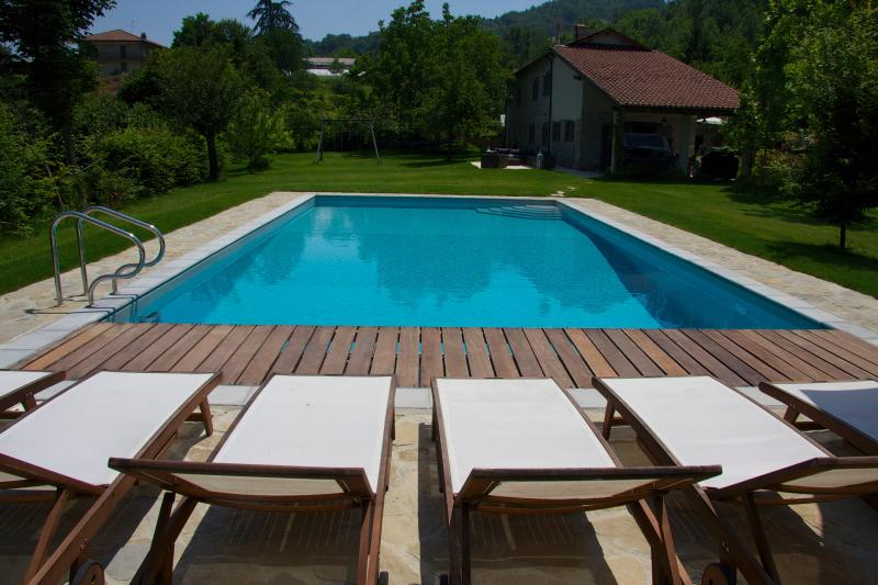 Italian villa, private pool - cycling, hiking, wine tours, slow-food, spa & yoga, vakantiewoning in Province of Asti
