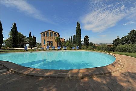 Villa Montesoli Villa Sleeps 6 with Pool and WiFi - 5229055, vacation rental in Buonconvento