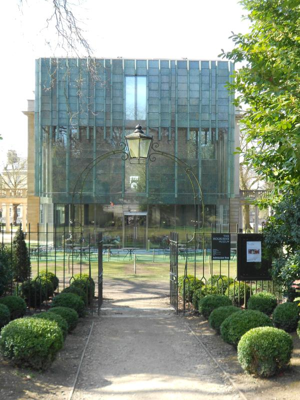 The Holburne Museum (art museum and garden cafe) is no more than a 2 minute walk from Powlett Road.