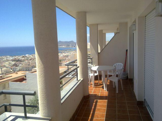 Terraza.El apartamento está genial,pero donde mas tiempo pasará será sin duda en la terraza