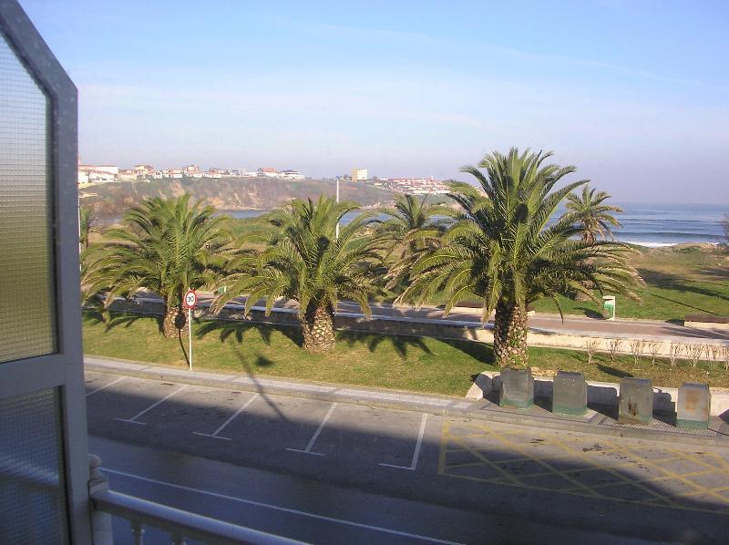 apartamento en 1º linea de playa, vacation rental in Torrelavega