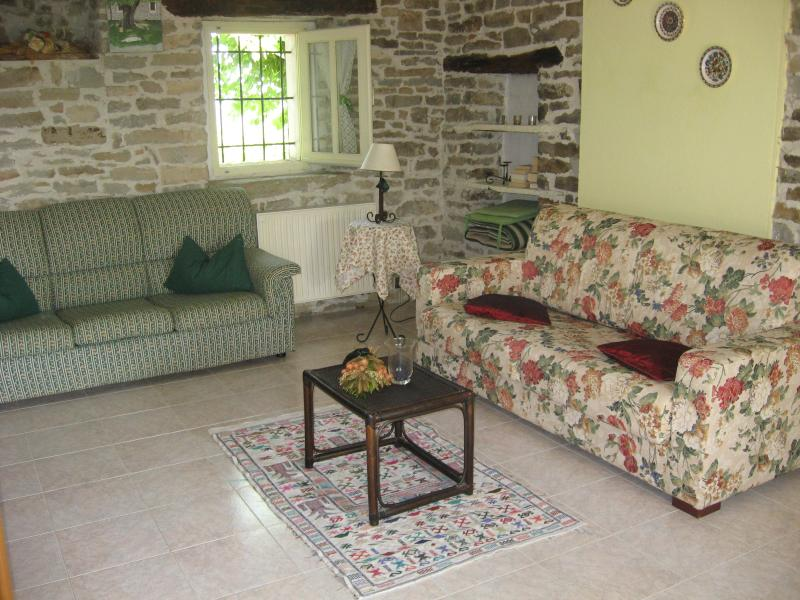 Agriturismo Cascina Serra, vacation rental in Santo Stefano Belbo