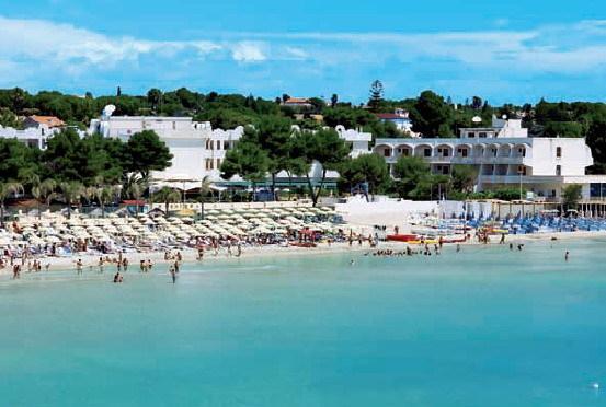 villa a pochi metri dalla spiaggia per 2 famiglie, holiday rental in Fontane Bianche