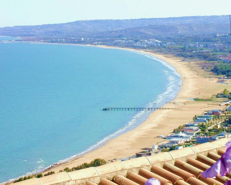 Vasto Marina beach (5 mins by car/bus, 25 mins walk)