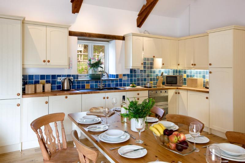 Threshing Barn kitchen & dining area