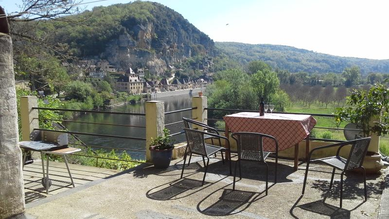 Spectacular views of the famous village and the across the valley from your own private roof terrace