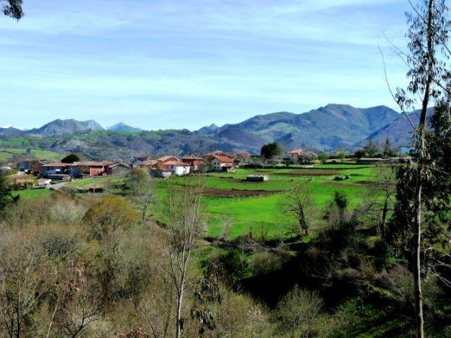 The rural House is located in the village of valleys, Council of Piloña.