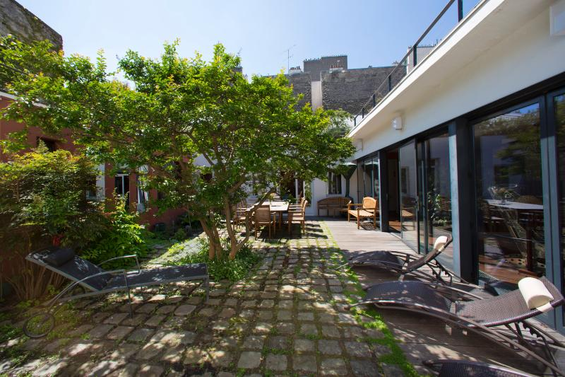 Montmartre - House with Garden, holiday rental in Paris