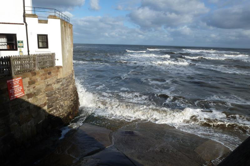 lo scalo di alaggio con l'alta marea